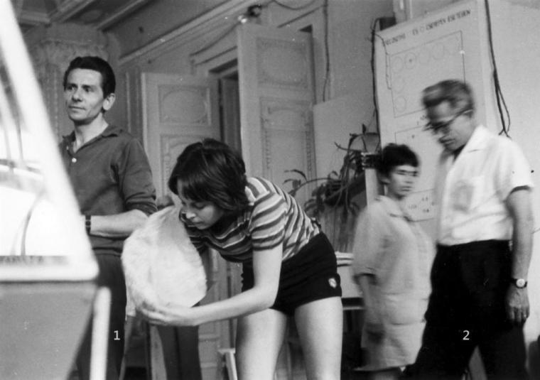 1. Hubai István, 2. Szilágyi István az 1971-es kiállításunk rendezése közben.